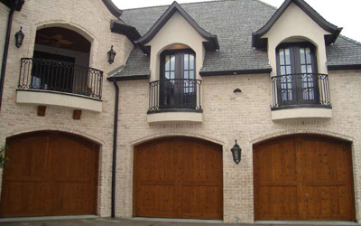 Looking For a New Garage Door? Choose The Right Material For Your New Door